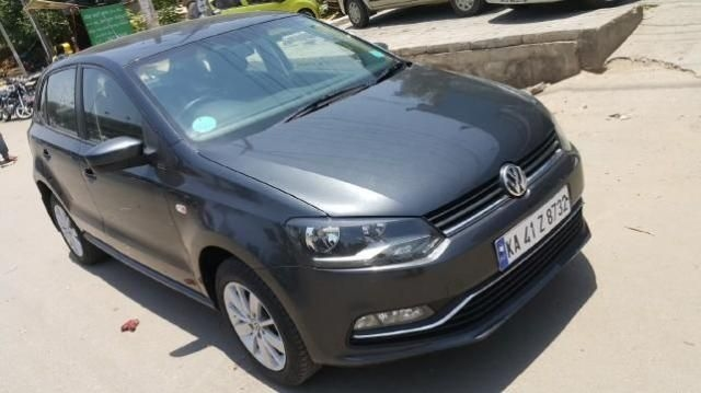 Volkswagen Polo HIGHLINE1.2L PETROL 2015