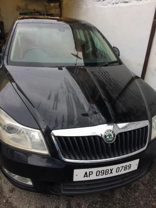 Skoda Laura 2.0 TDI CR MT 2011