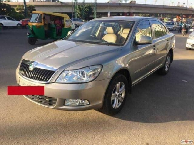 Skoda Laura AMBITION 2.0 TDI CR MT 2011