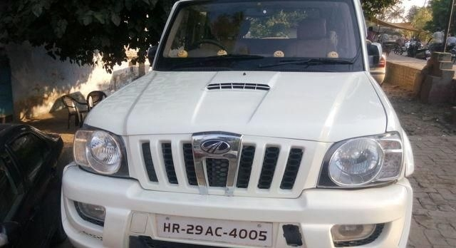 Mahindra Scorpio VLX AT BS III 2012