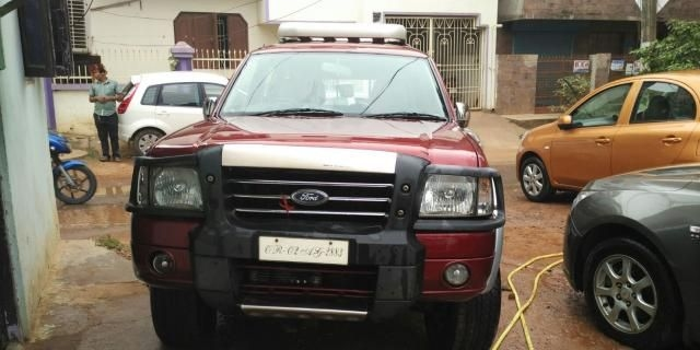 Ford Endeavour 2.5L 4x2 2009