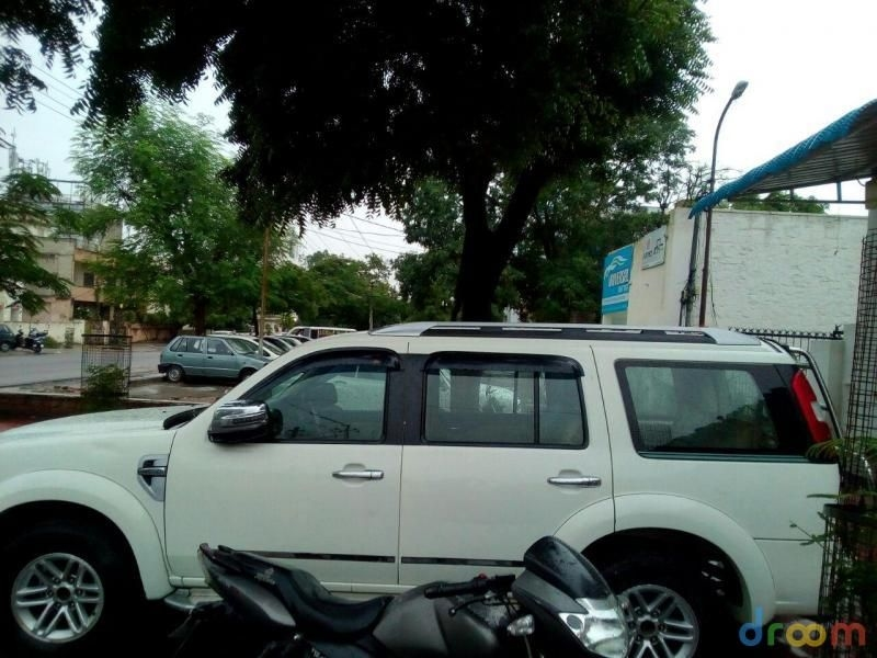 Ford Endeavour 3.0L Hurricane LIMITED EDITION 2010