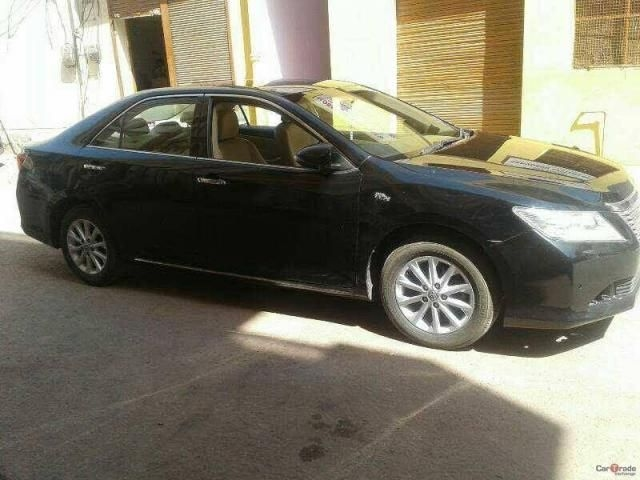 Toyota Camry 2.5 AT 2012