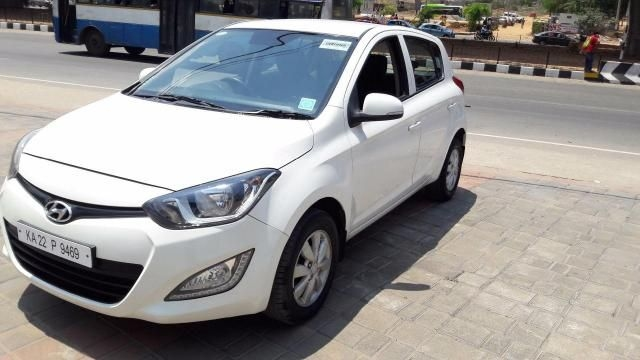 Hyundai i20 Sportz AT 1.4 2013