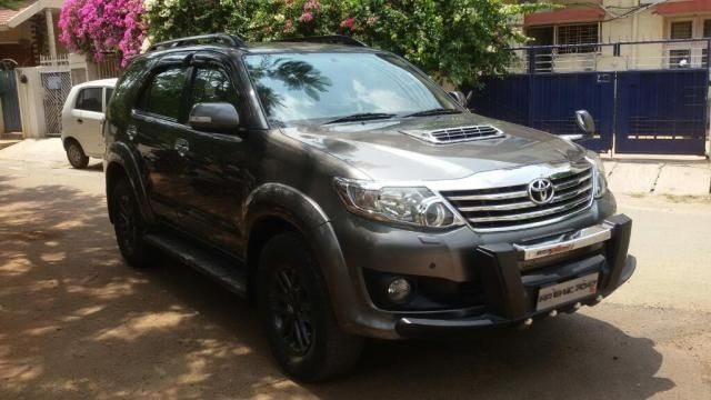 Toyota Fortuner Sportivo 4x2 AT 2012