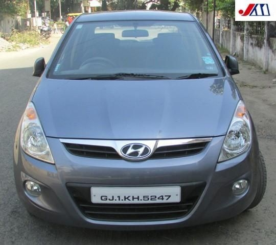 Hyundai i20 ASTA 1.4 AT 2011