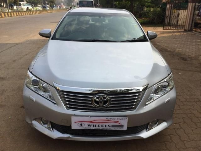 Toyota Camry 2.5 AT 2014