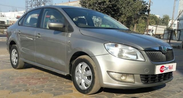 Skoda Rapid 1.6 TDI MT ACTIVE 2012
