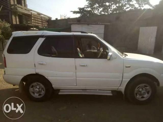 Tata Safari 4X2 GX DICOR BS III 2010