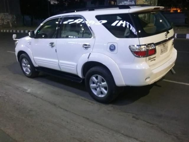 Toyota Fortuner 2.5 4x2 AT TRD Sportivo 2011