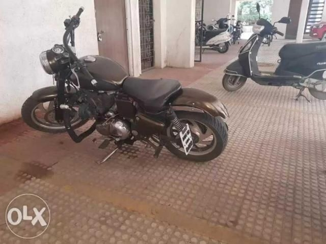83 Used Royal Enfield Classic Motorcycle/bike 2012 model for