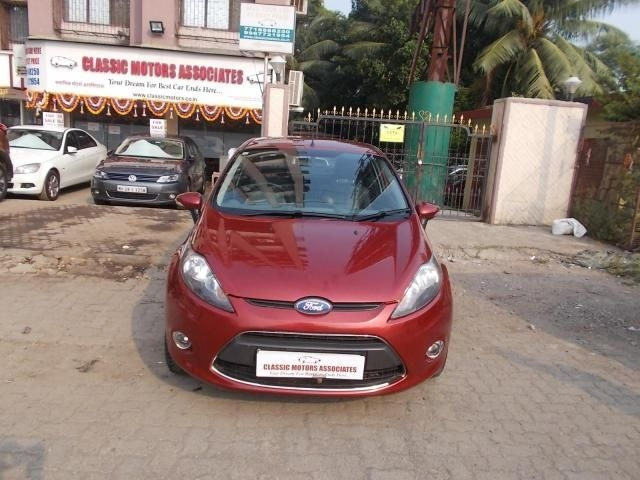 Ford Fiesta TITANIUM PLUS PETROL AT 2012
