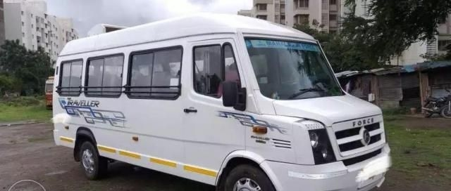 Force Traveller 3700 17 SEATER 2017