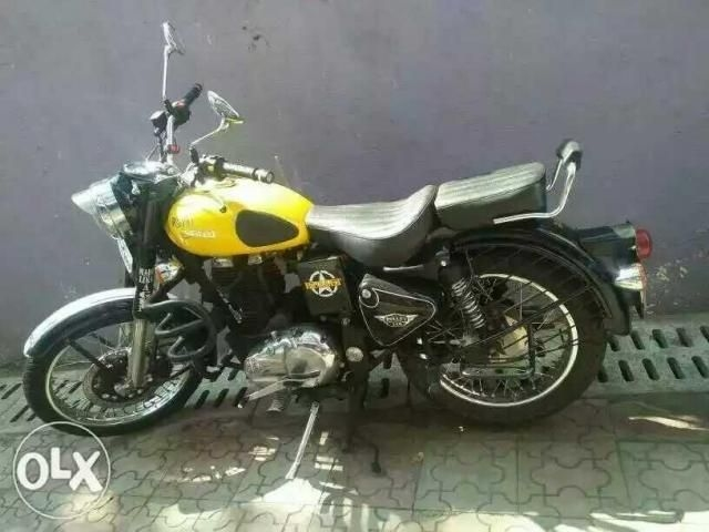 49 Used Royal Enfield Classic Bike between 40000km to 60000km for