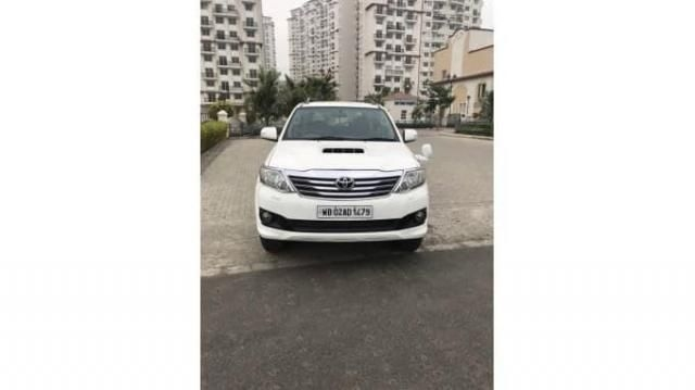 Toyota Fortuner Sportivo 4x2 AT 2013