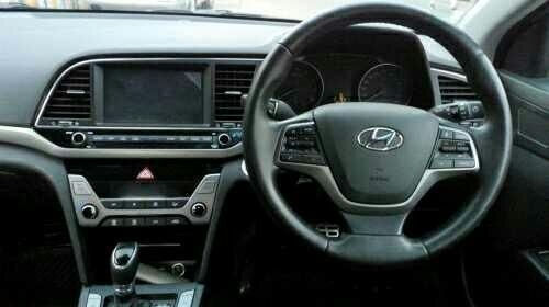 Hyundai Elantra 2.0 SX (O) AT 2017