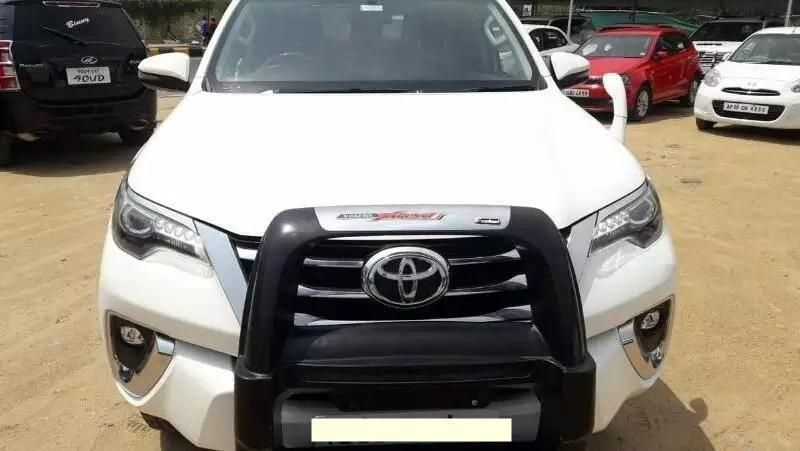 Toyota Fortuner Car for Sale in Ahmedabad- (Id: 1417817363