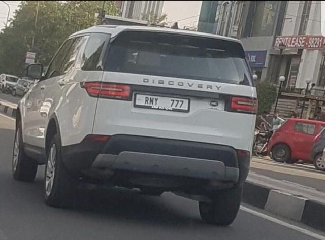 Land Rover Discovery 3.0 HSE Petrol 2019