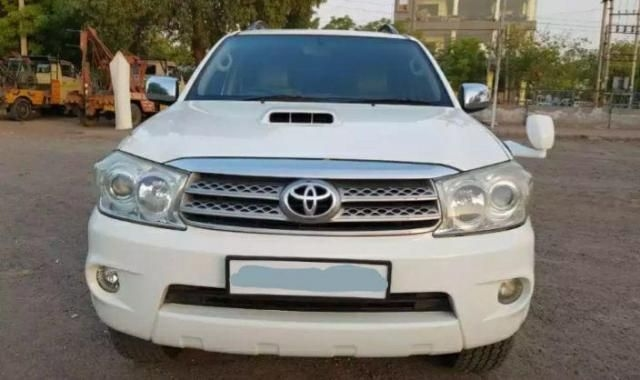 Toyota Fortuner 3.0 4x4 AT 2011