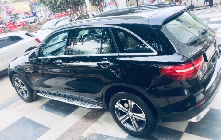Mercedes-Benz GLC 220d 4MATIC Sport 2017