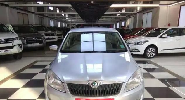 Skoda Rapid AMBITION 1.6 TDI CR MT 2012